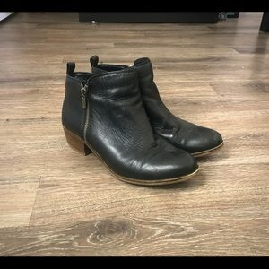 Lucky Brand Basel Boots in black